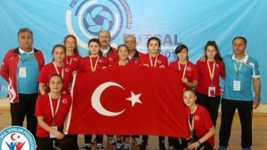 Kız Futsal Mili Takımı dünya ikincisi oldu.