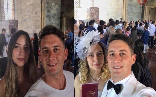Anıtkabir'de selfie ile başlayan aşk evlilikle son buldu.