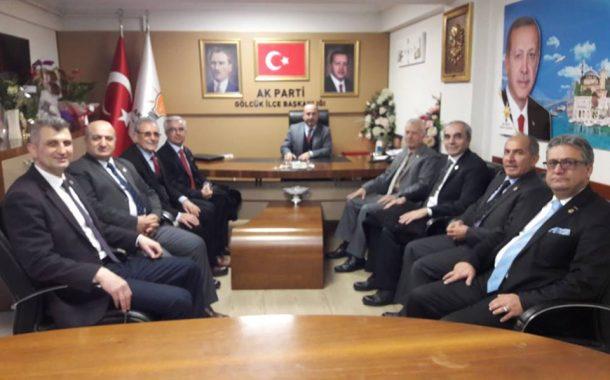 AK Parti Gölcük ilçe Başkanı Çetin Seymen ve Gölcük Belediye başkan adayı Ali Yıldırım Sezer' e hayırlı olsun ziyaretine gittik.