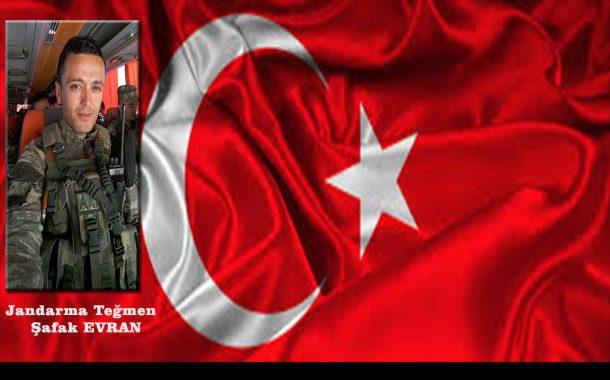 Şehidimiz var; Yiğidim Türk ulusu sizlere minnettardır. Tininiz kutlu, yurdunuz uçmağ olsun.