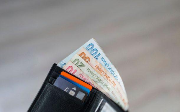 Memur ve emekli maaş zam oranları belli oldu.