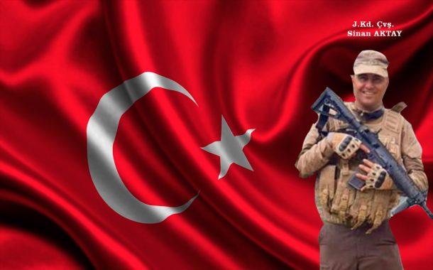 Şehidimiz var. Hakkari'nin Yüksekova kırsalında teröristlerle çıkan çatışmada Jandarma Astsubay Kıdemli Çavuş Sinan Aktay şehit oldu.